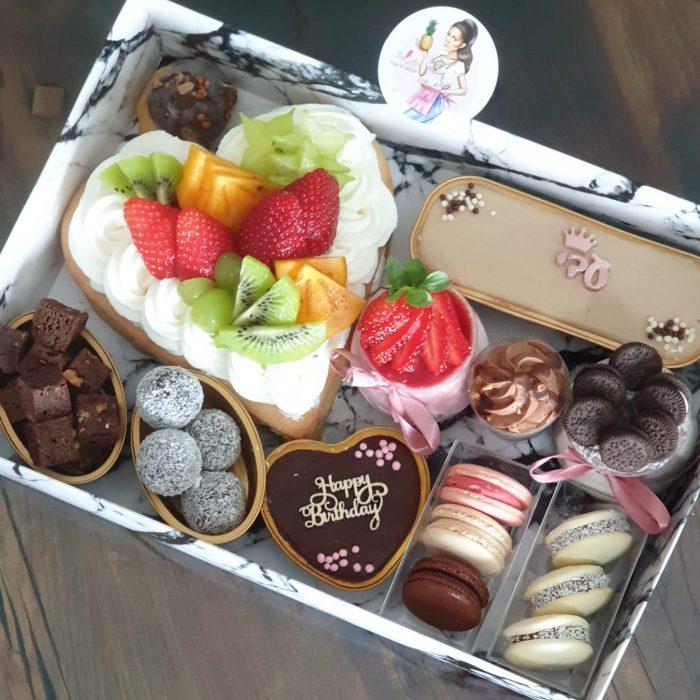 מארז עוגיות ועוגות