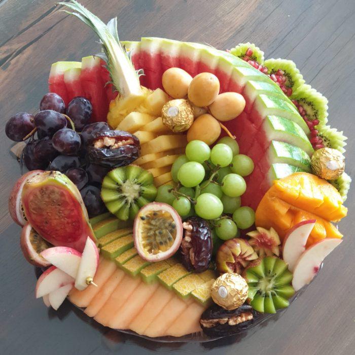 מגש פירות בינוני